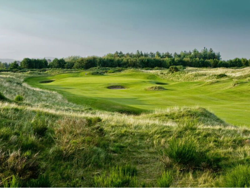 Discover the true game of golf at Dundonald Links in Ayrshire, Scotland