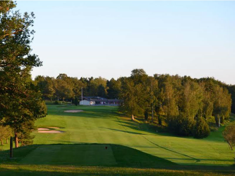 Spring is only a few weeks away so dust of the cobwebbs at Karlshamns GolfKlubb in Sweden