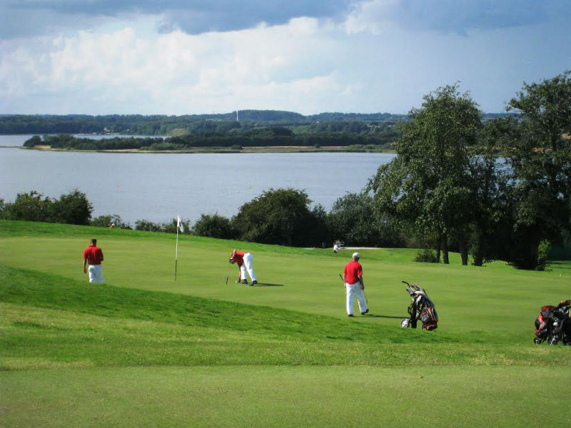 Play golf at the beautiful Mariagerfjord GolfKlub in Hadsund, Denmark