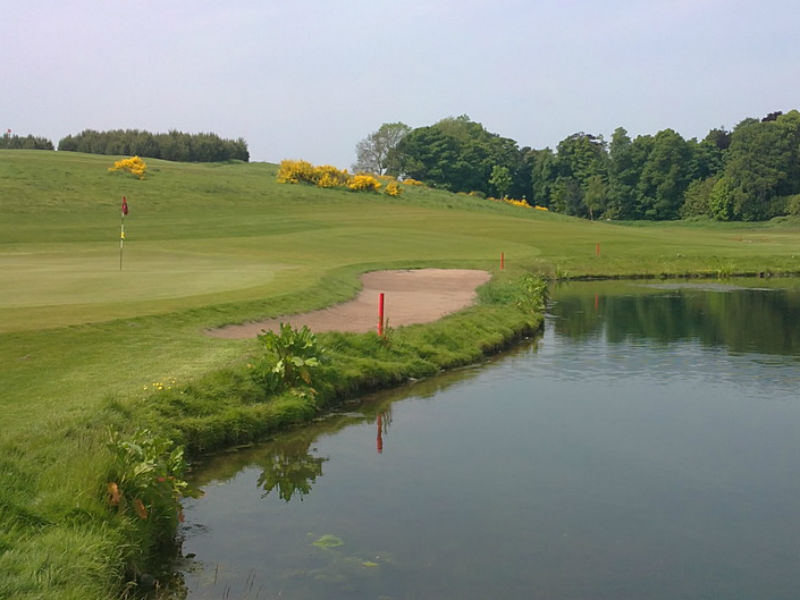 Get a taste for golf this winter at the Ballumbie Castle Golf Club in Angus, Scotland