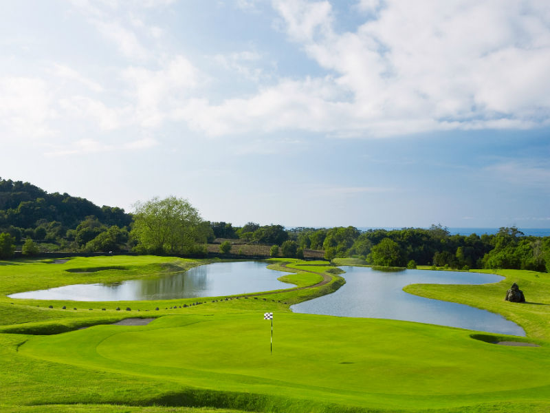 Wondering where to play that next game of golf, look no further than Batalha Golf Course,  Azores