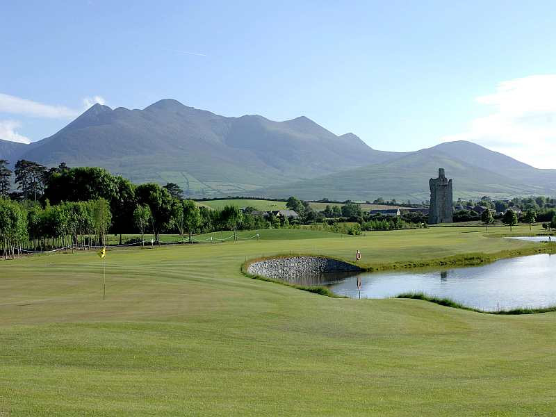 Golfing season has begun!!  So check out the beautiful Beaufort Golf Club in Kerry, Ireland