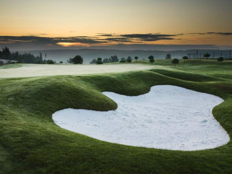 Booking your summer break to Portugal Play golf at Bom Sucesso Golf Resort in Leiria.
