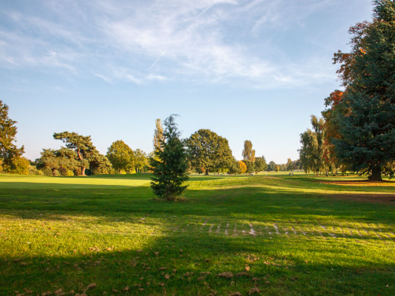Are you visiting Surrey in 2018 then play golf at the fantastic Coulsdon Manor Golf Course