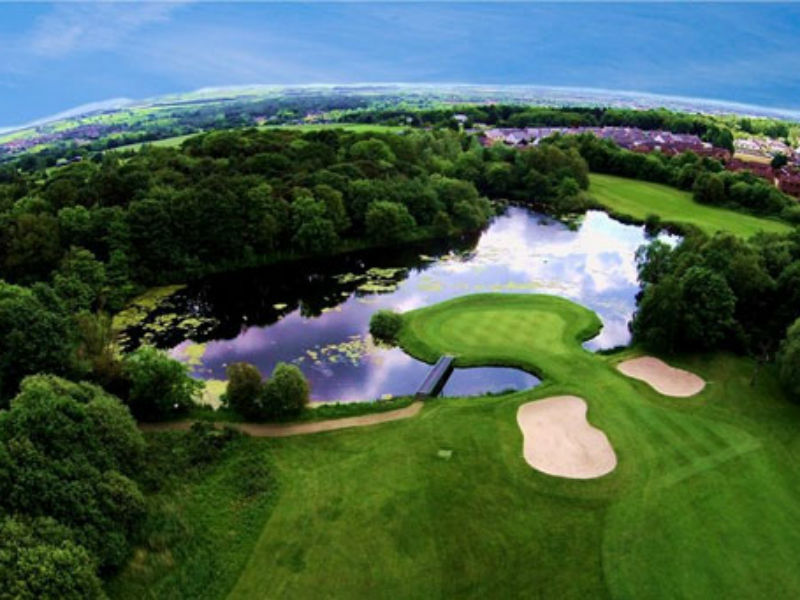 Play great golf at the fantastic Pumpherston Golf Club in West Lothian, Scotland