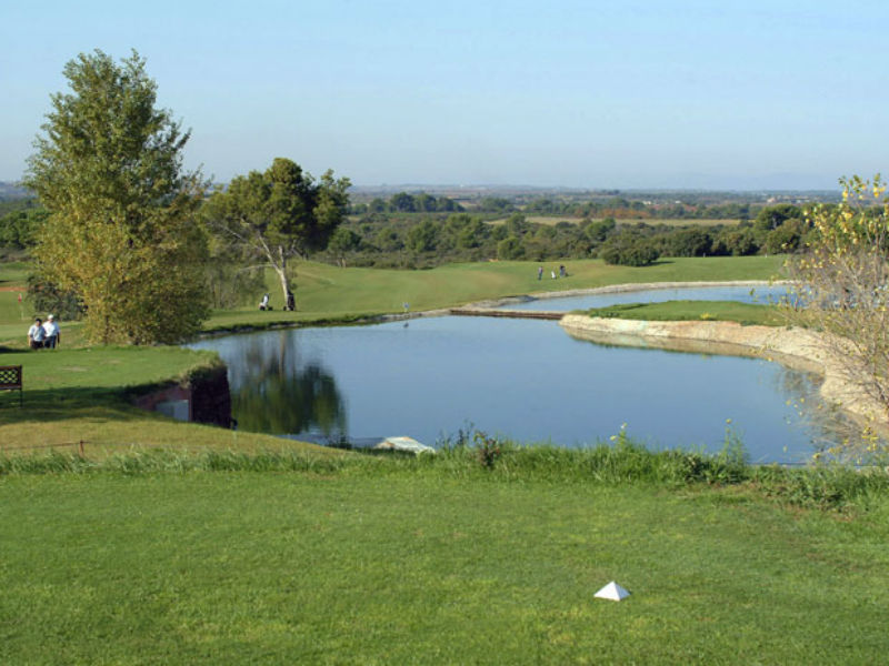 Discover the beautiful game of golf at Golf Saint Thomas in Languedoc Roussillon, France