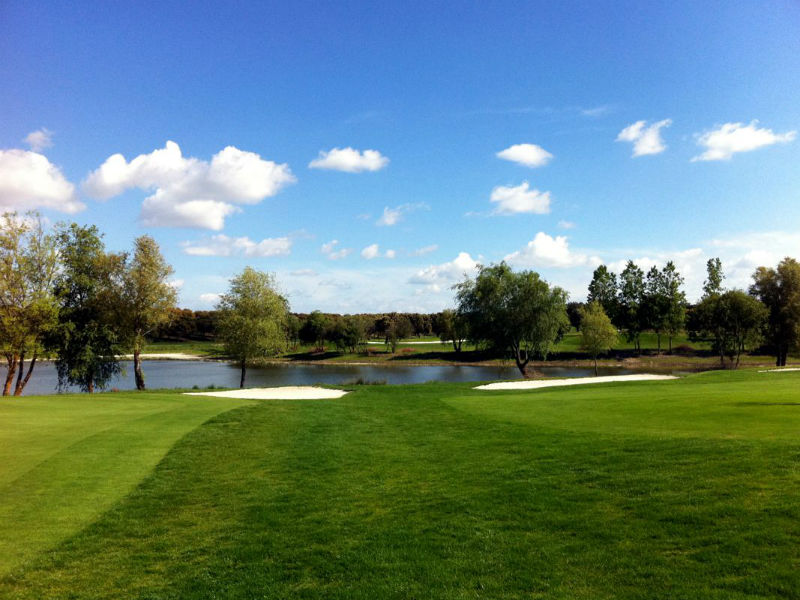 Enjoying this great weather then play golf at Campo de Golf de Salamanca Zarapicos in Spain