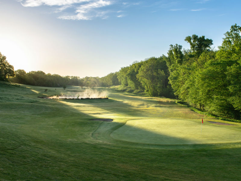 Fancy playing golf at the beautiful Chateau des Vigiers Golf Club in Dordogne, France
