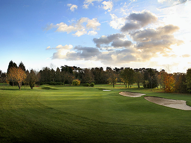 Enjoy your spare time with a game at Woodcote Park GC in Surrey with Open Fairways